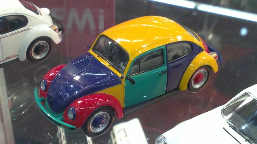Schuco 1-43 Volkswage Käfer multicolor