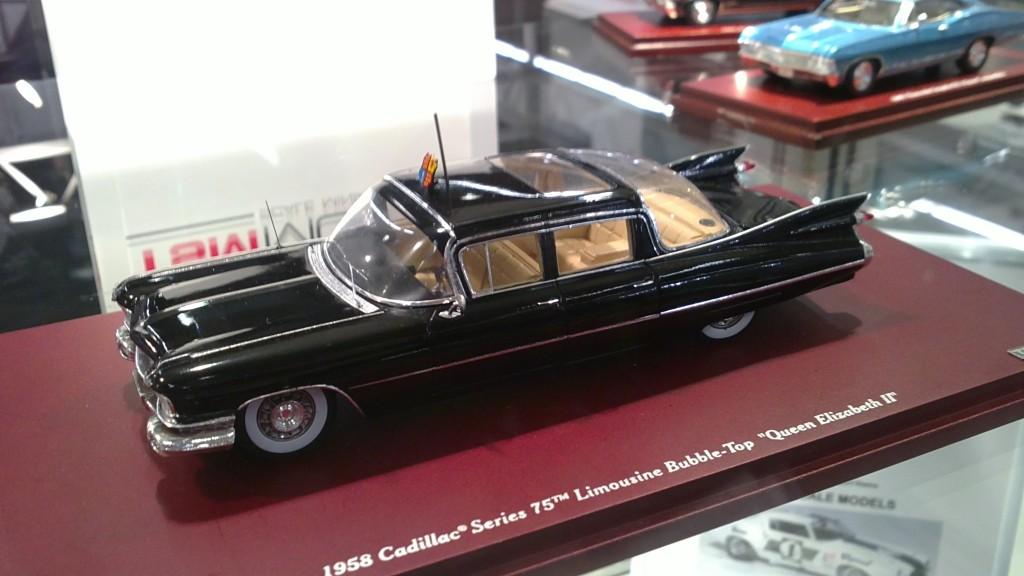 True Scale Minuatures-1959-Cadillac-Series-75-Limousine-Queen-Elisabeth 1-43
